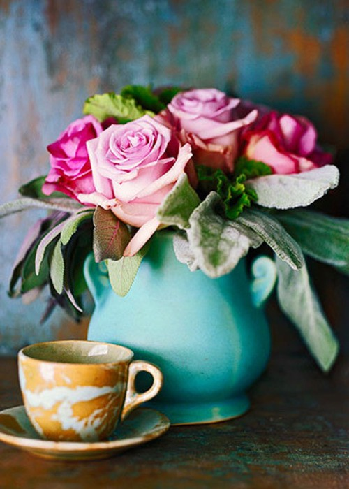 coffee cup with pink roses
