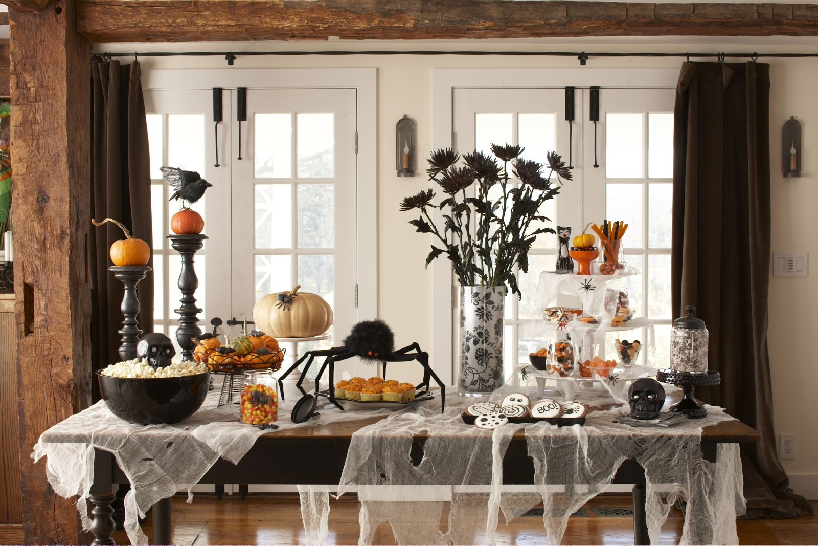 Adult halloween party decor - Adult Halloween Party Decor I Know I Am Halloween Table Display
